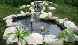 Декоративный фонтан своими руками - обрамление камнями