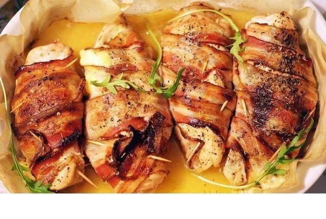 Курица в беконе в духовке рецепт с пошаговый